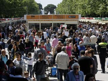 Vista general de la Feria del Libro de Madrid