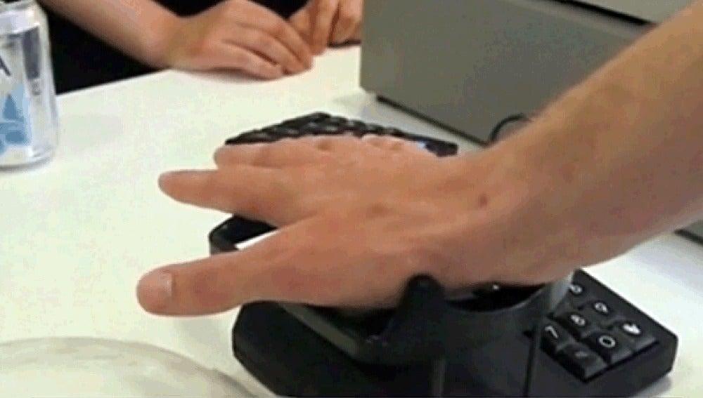 Sistema de pago con la palma de la mano