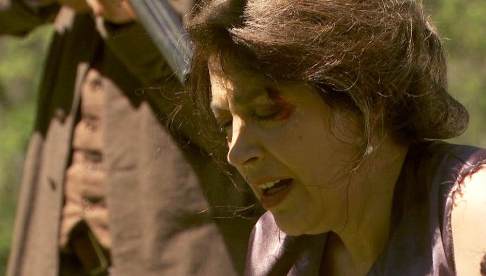 Francisca deja su destino en manos de los anarquistas, ¿salvará Bosco a la Doña?