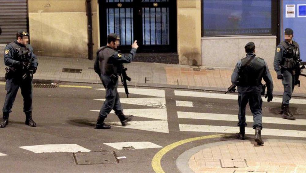 El etarra detenido intentó atentar contra Patxi López y Rodolfo Ares