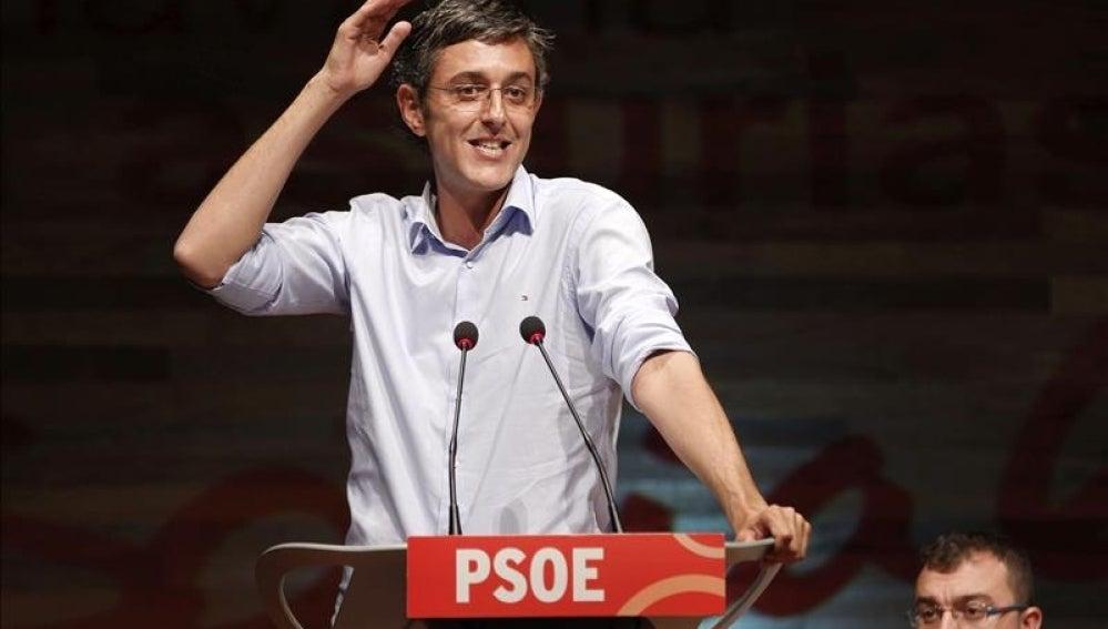 Eduardo Madina en Pola de Laviana (Asturias).