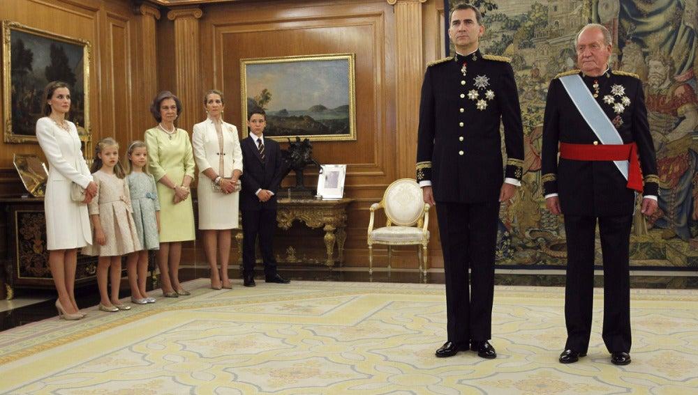 El Rey Felipe VI con el Rey Juan Carlos