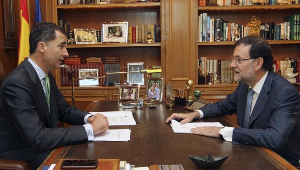 Rajoy y Felipe VI en la Zarzuela