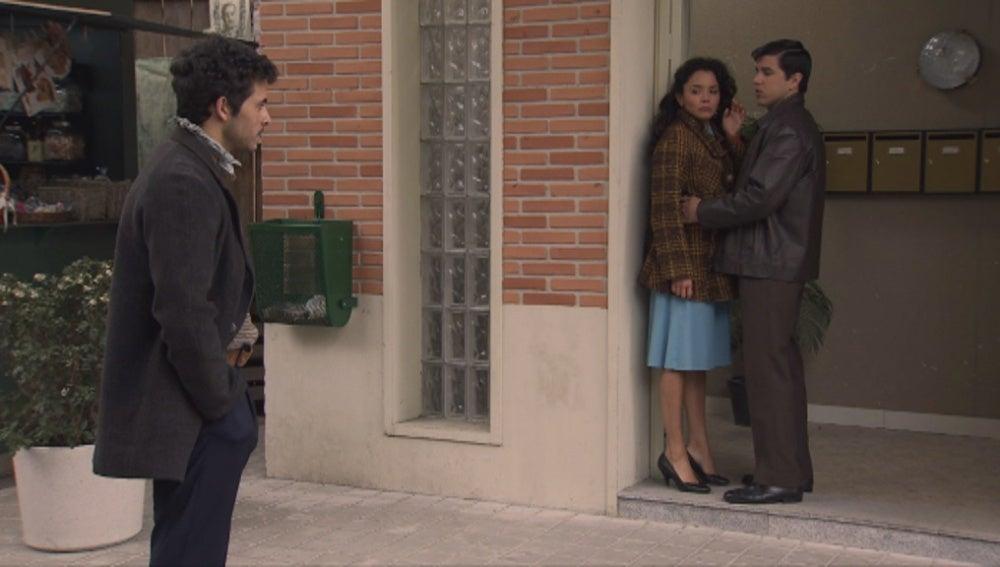 María, Antonio, hermano