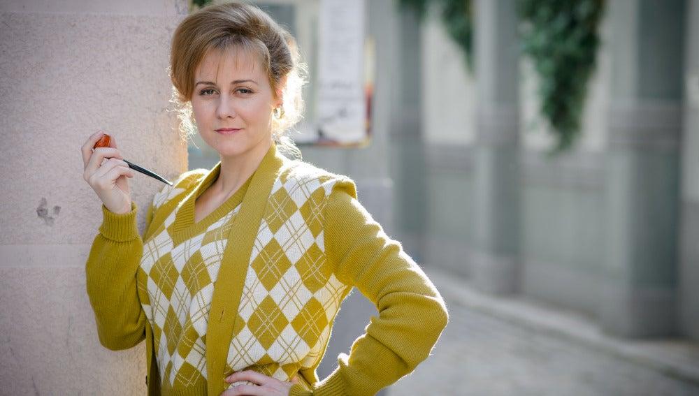 Julia Moller es Katherine Taylor