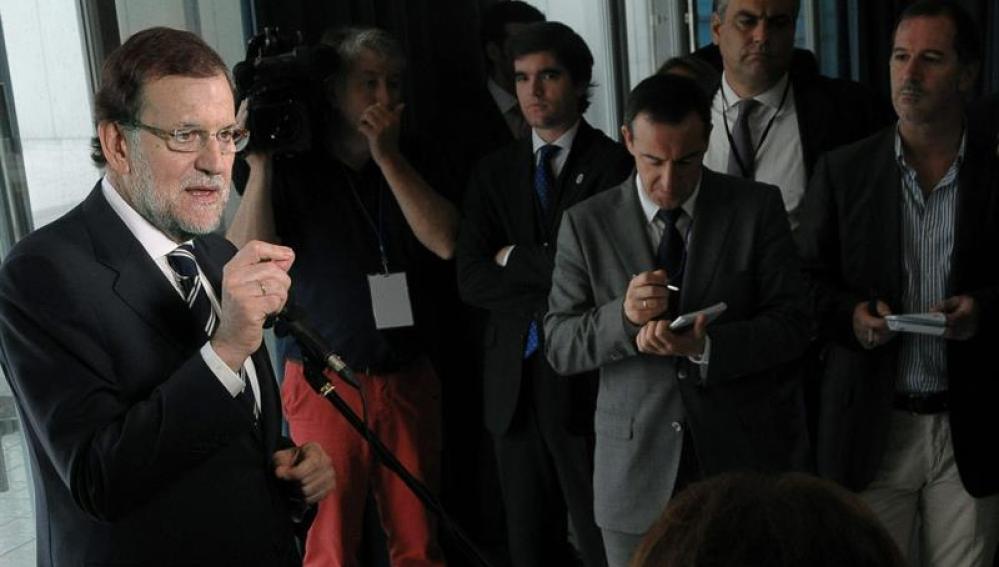 El presidente del Gobierno, Mariano Rajoy, comparece ante los medios de comunicación