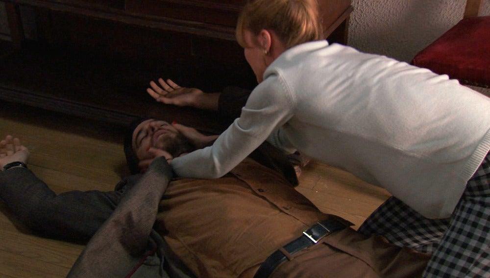 Valeria dispara a Diego por error