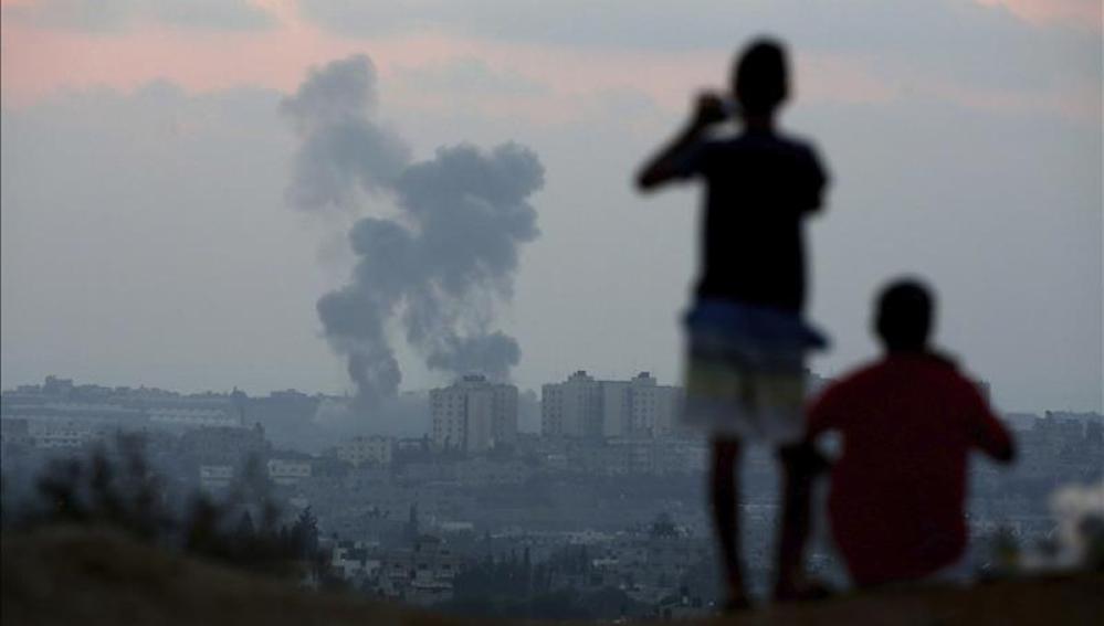 Continúan los bombardeos en la frontera de Gaza