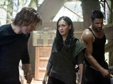 Oliver, Thea y Slide