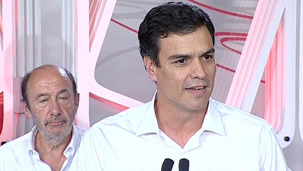 Pedro Sánchez habla en Ferraz