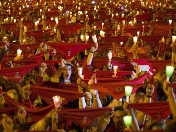 Miles de personas despiden San Fermín