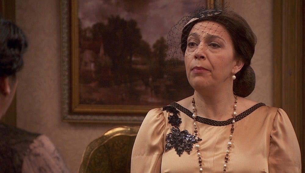 Francisca se encarga de que en el Jaral no se enteren del homenaje a Tristán