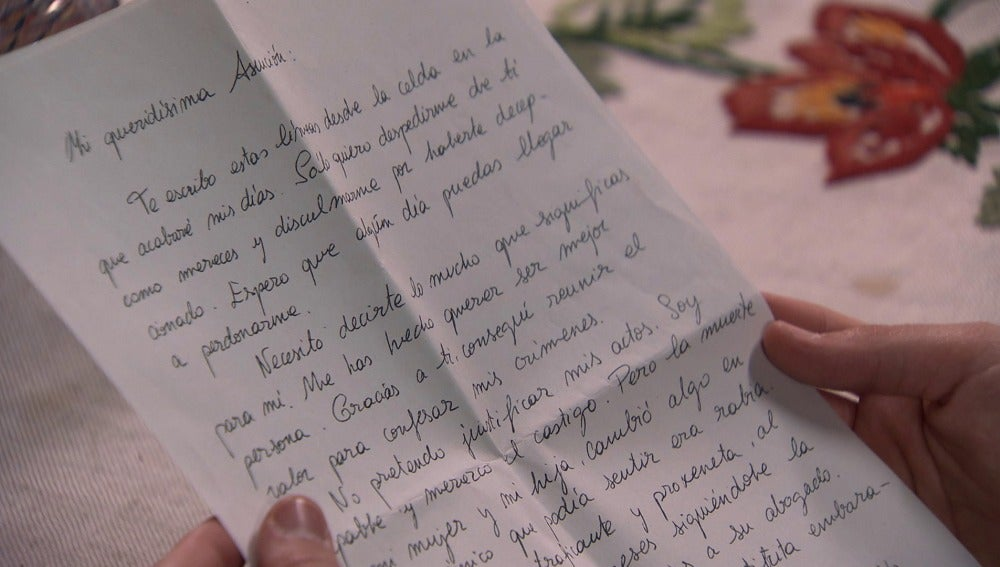 Asun recibe una carta de Gabriel
