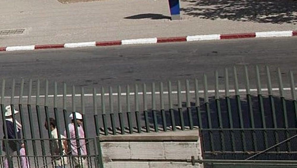 Imagen de una calle principal en Tánger