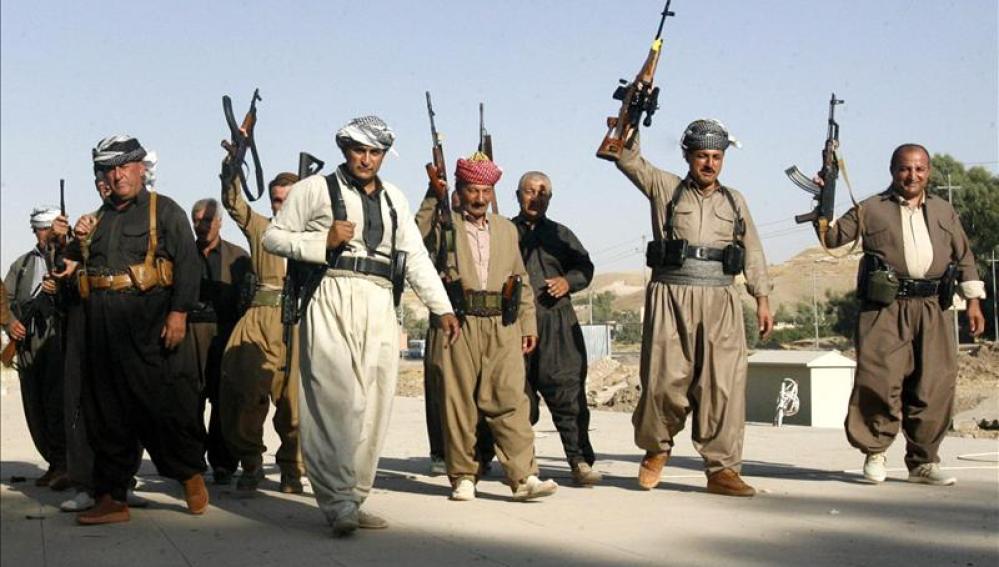 Varios soldados kurdos o 'peshmergas'
