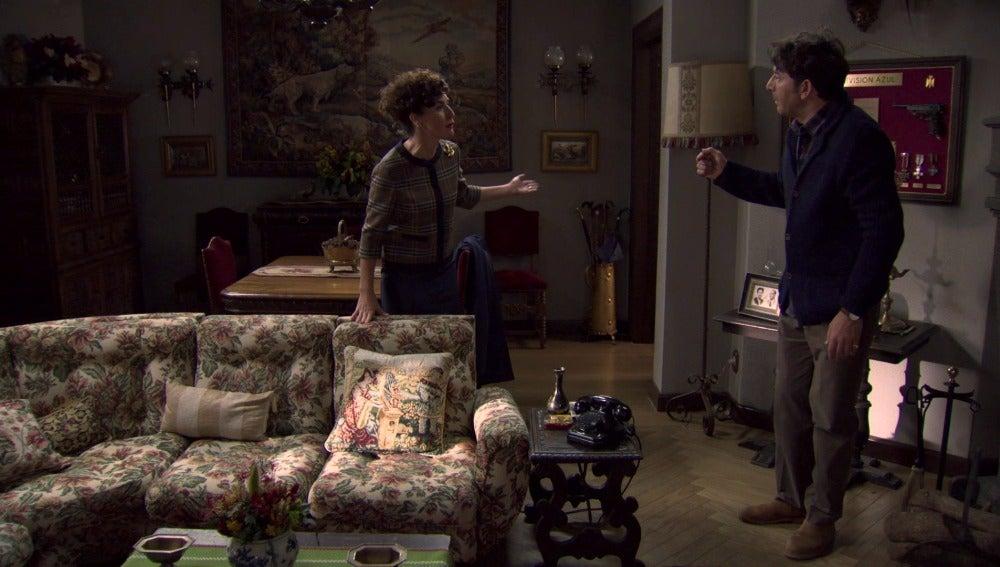 Elena se alia con Augusto