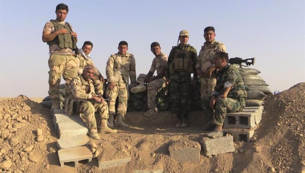 Varios soldados kurdos en Irak