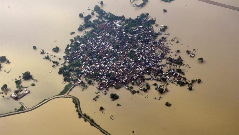 Vista aérea de una zona residencial afectada por las inundaciones