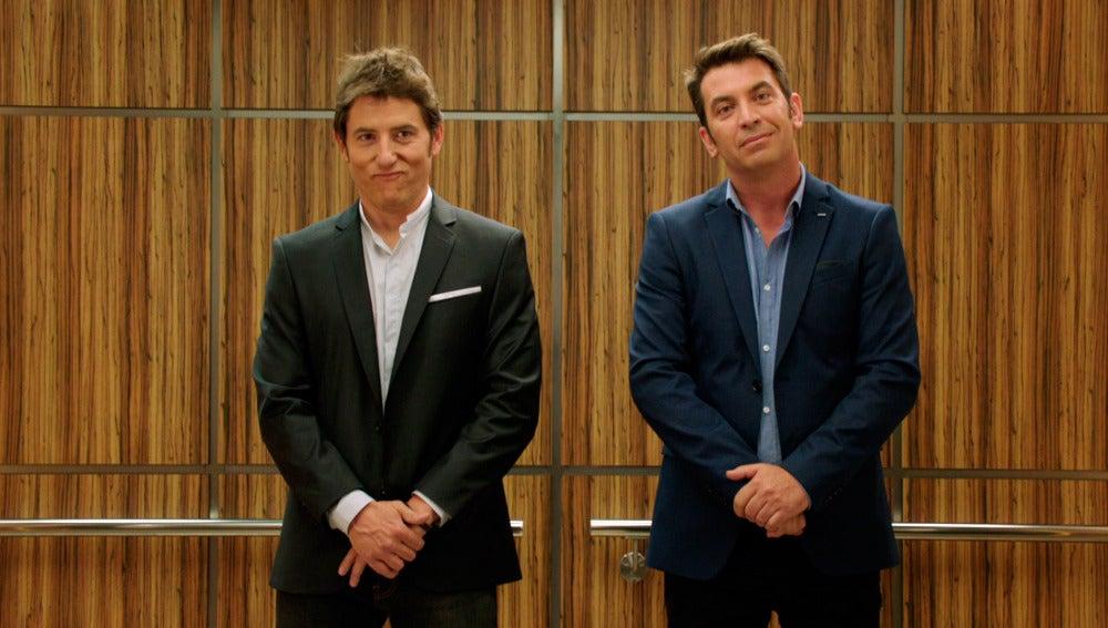 Manel Fuentes y Arturo Valls en un ascensor