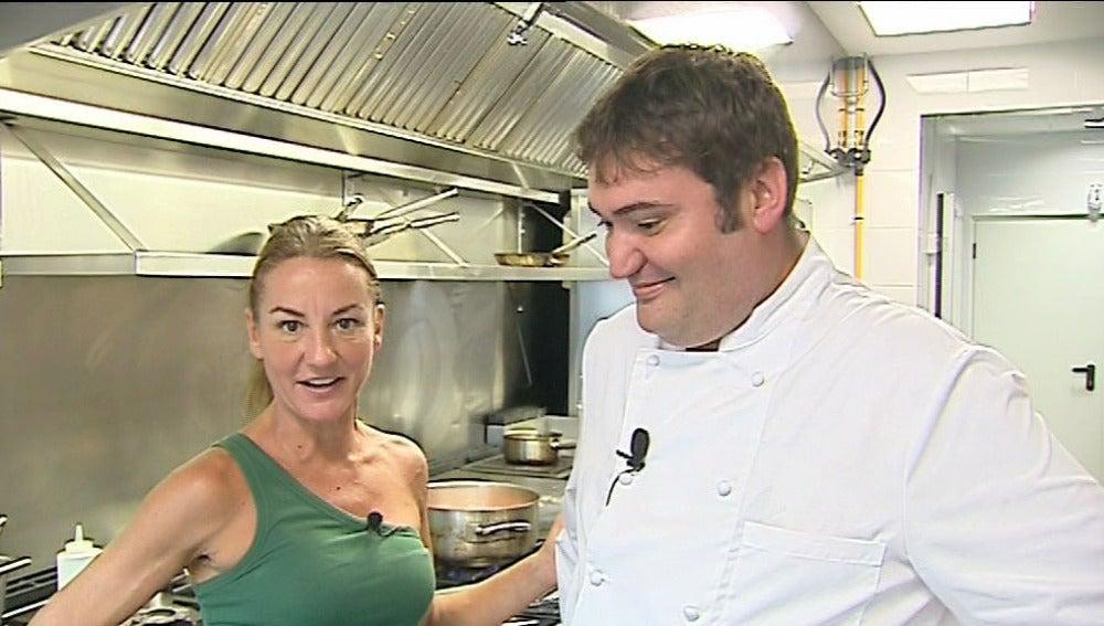 Bárbara Amorós junto al cocinero Raúl Aleixandre