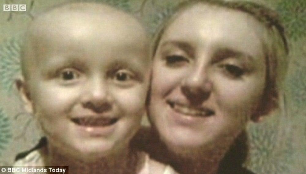 Madre e hija durante la enfermedad