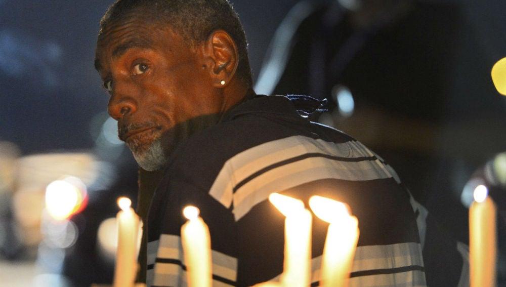 Vuelve la calma a Ferguson con la visita del fical general de EE.UU