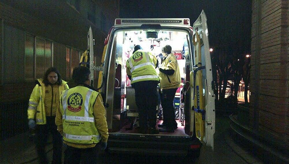 Un motorista fallece al colisionar con un taxi
