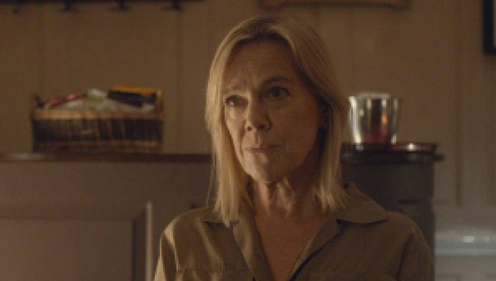 Carolyn Pickles es Maggie Radcliffe en Broadchurch