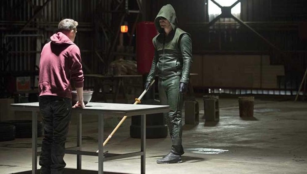 Arrow y Roy