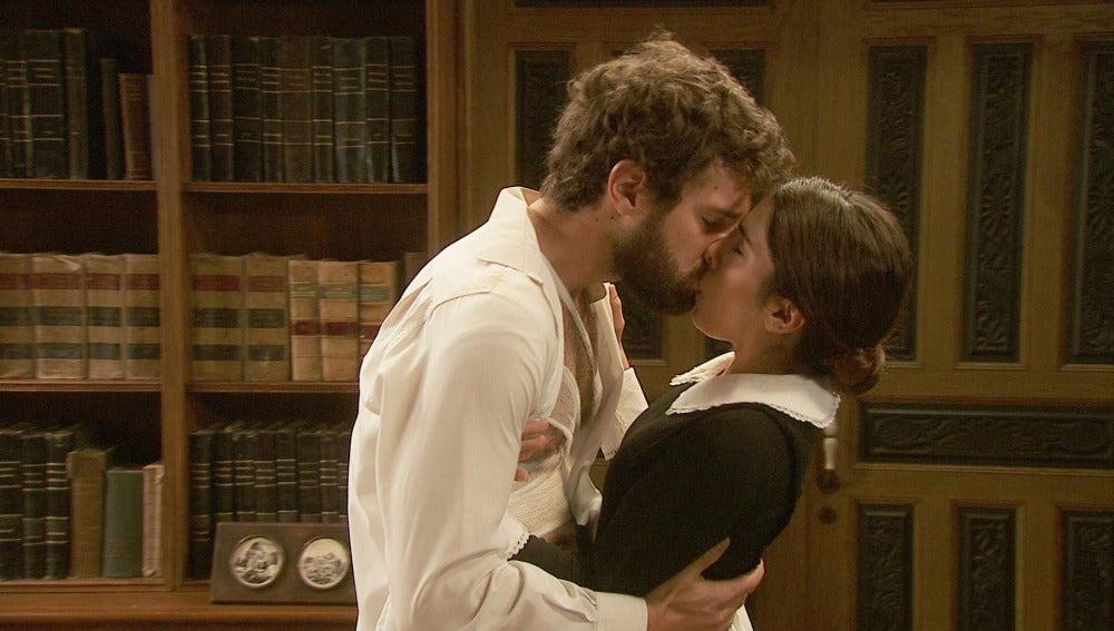 Bosco besa a ines