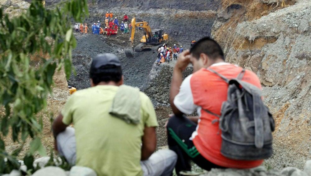 Labores de rescates a los mineros que han quedado atrapados en una mina en Nicaragua