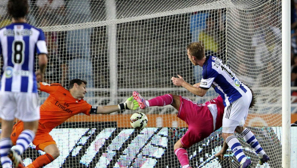Casillas, en un momento del partido frente a la Real