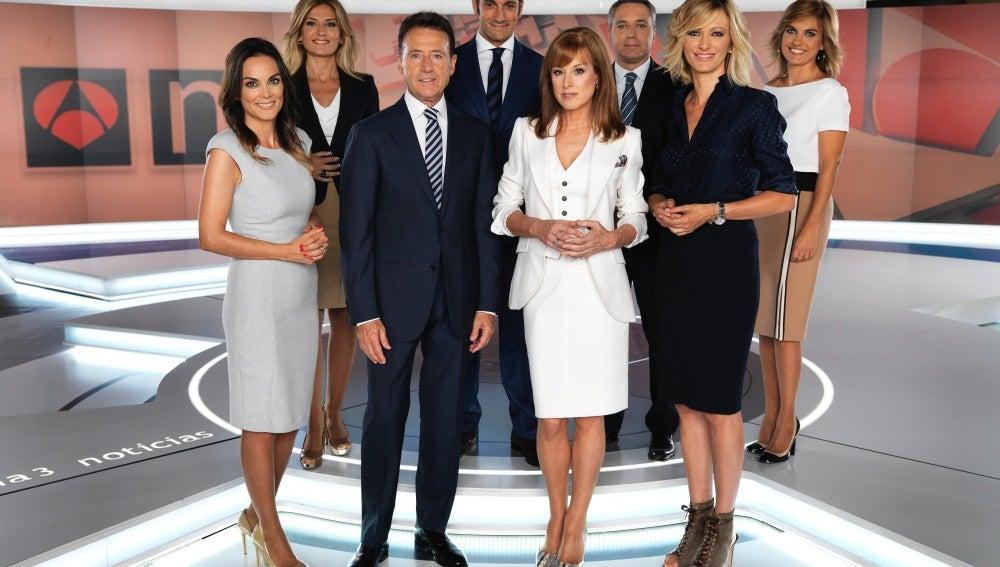 Foto oficial de la renovación de Antena 3 Noticias