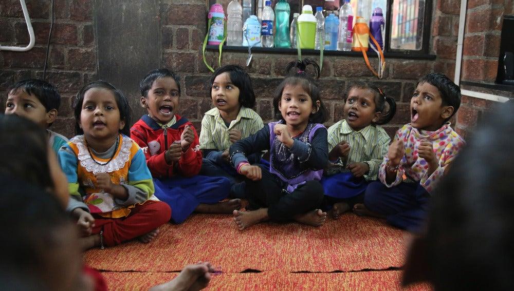 Niños en un colegio de la India