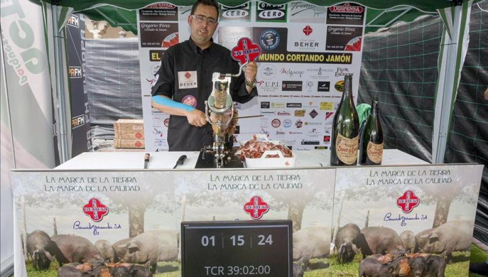 El cortador de jamón es record Guinness
