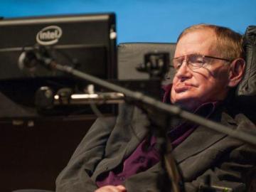 Stephen Hawking durante una conferencia.