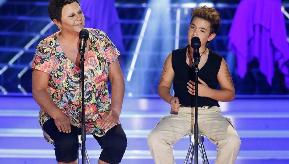 María del Monte y Samuel imitan a Ricky Martin y la Mari de Chambao en Tu cara me suena Mini