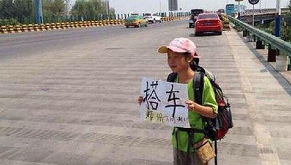 Una niña china recorre 4.000 km haciendo autostop