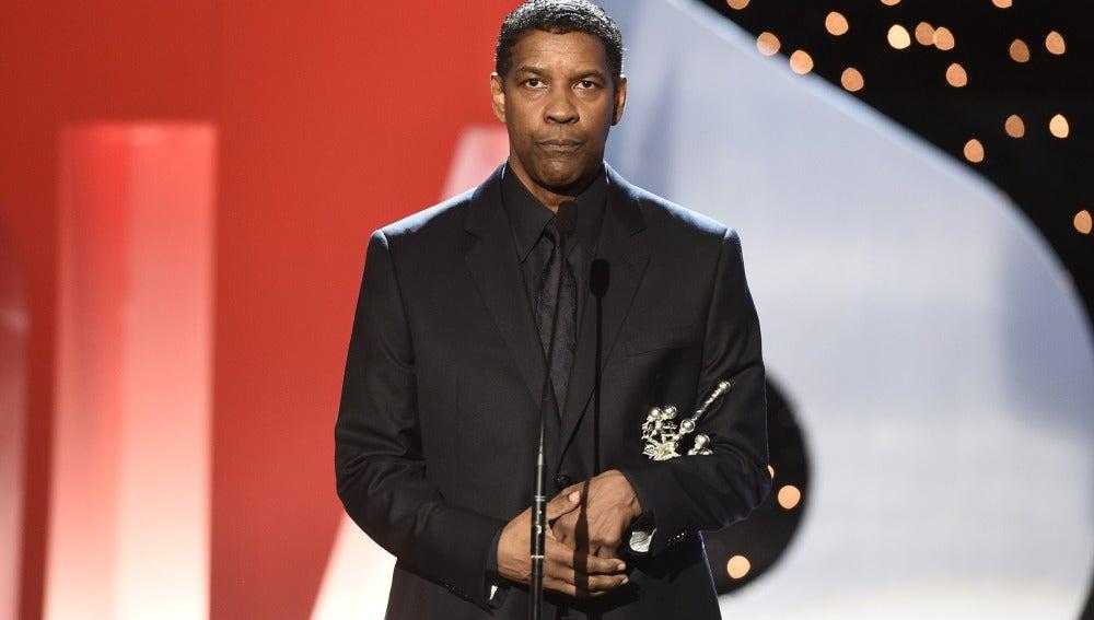 Denzel Washington recoge el premio Donostia
