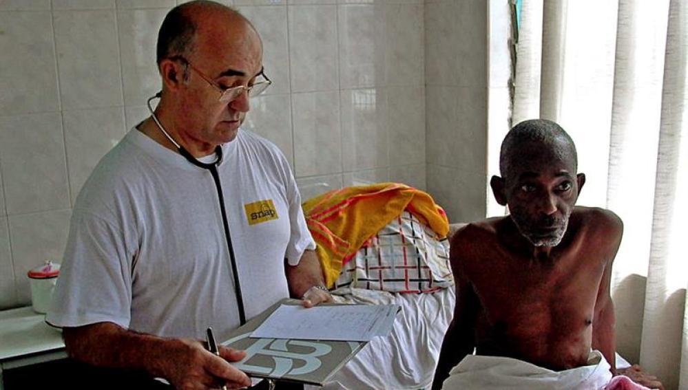 Manuel García Viejo, el misionero leonés infectado por el virus del Ébola