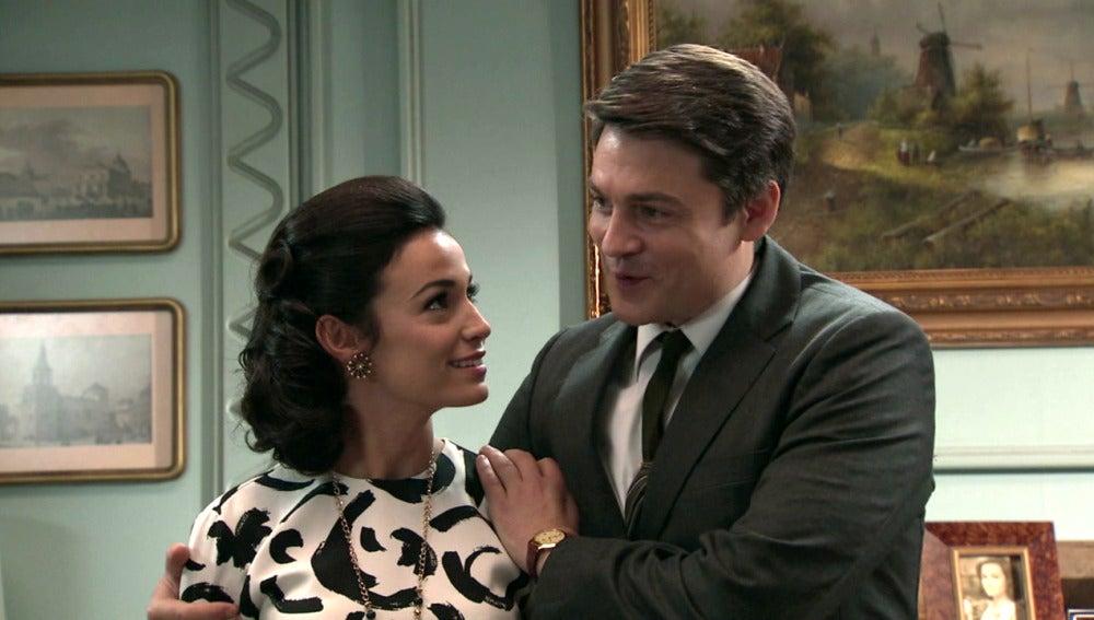 Laura y Julián anuncian su noviazgo