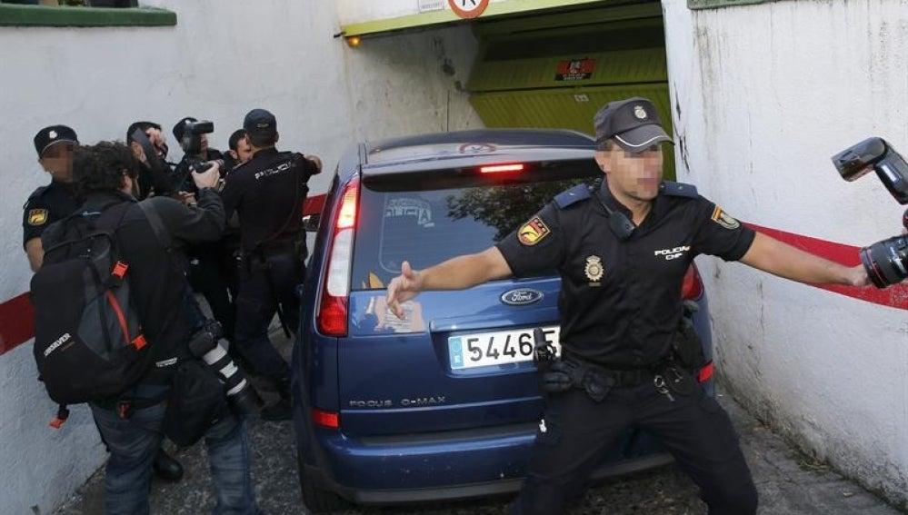 El pederasta de Ciudad Lineal llega a dependencias policiales.