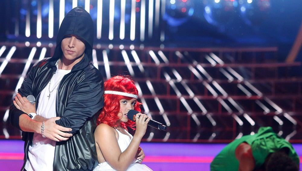 Xuso Jones y Abril imitan a Rihanna y Eminem en Tu cara me suena Mini