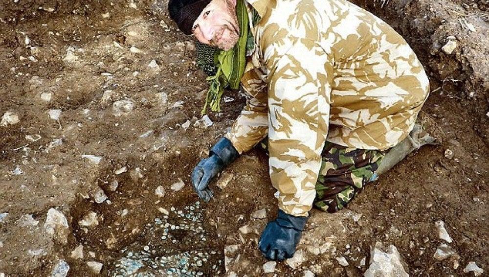 El tesoro fue excavado por un equipo de arqueólogos, tras el descubrimiento de Egerton