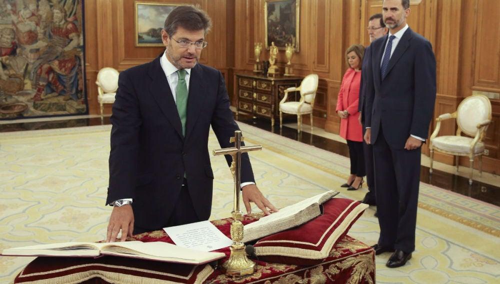 Rafael Catalá jura su cargo ante el Felipe VI