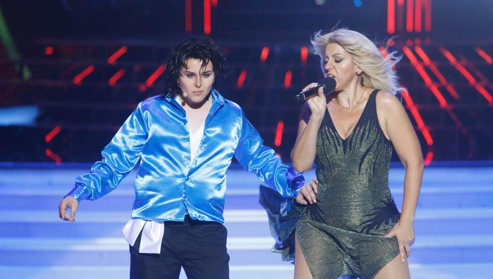 Llum Barrera y Unax imitan a Michael Jackson y Britney Spears en Tu cara me suena Mini
