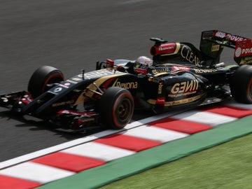 Grosjean circula por la pista