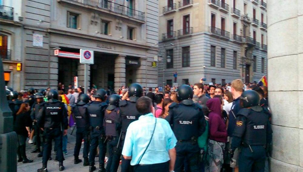 Policía en la manifestación 'Rodea el Congreso'