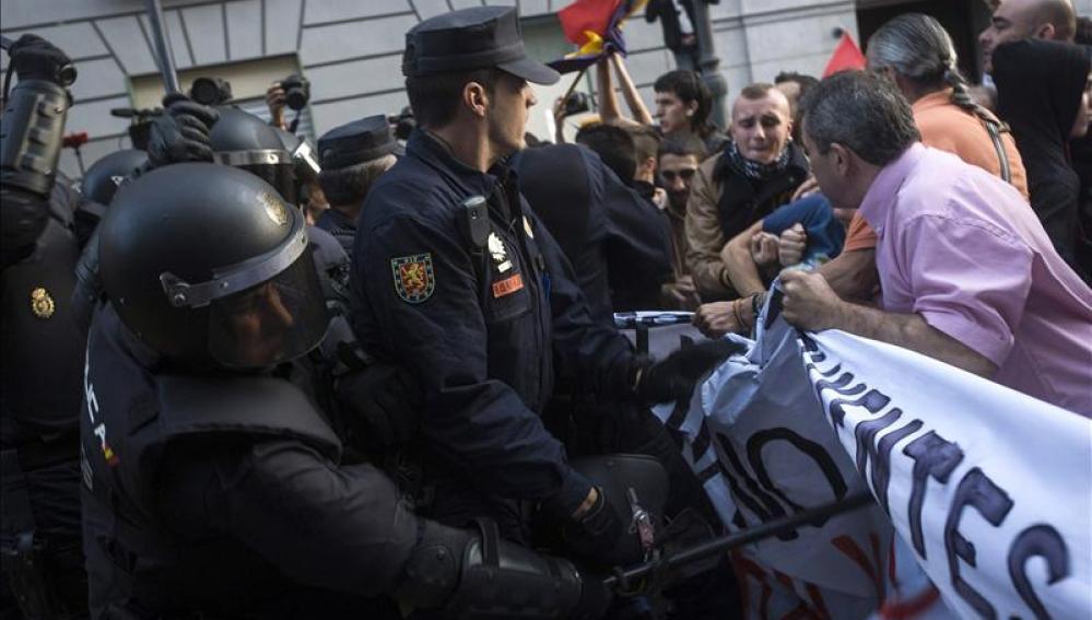 Detenida la abogada de la Coordinadora 25S en la protesta contra la monarquía