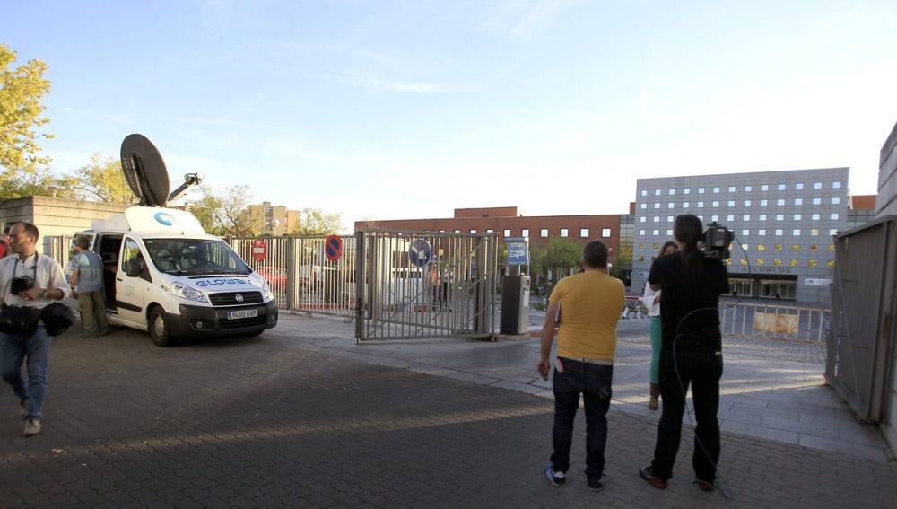 Entrada del hospital de Alcorcón